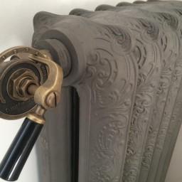 plombiers-sartrouville-pose-de-radiateur-en-fonte-a-herblay